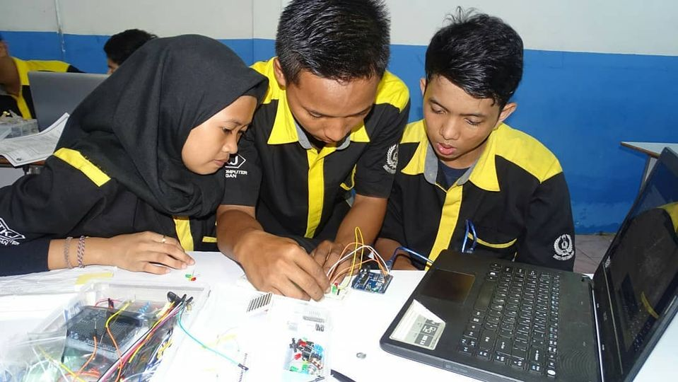 Read more about the article Jurusan Teknik Komputer dan Jaringan